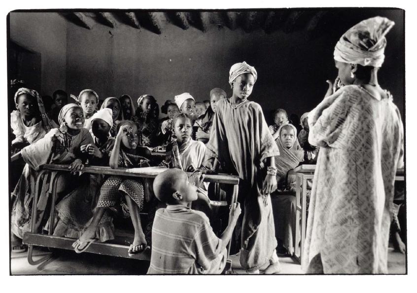 Scène de classe, Mali, photo noir et blanc, Jean-Pierre Devals