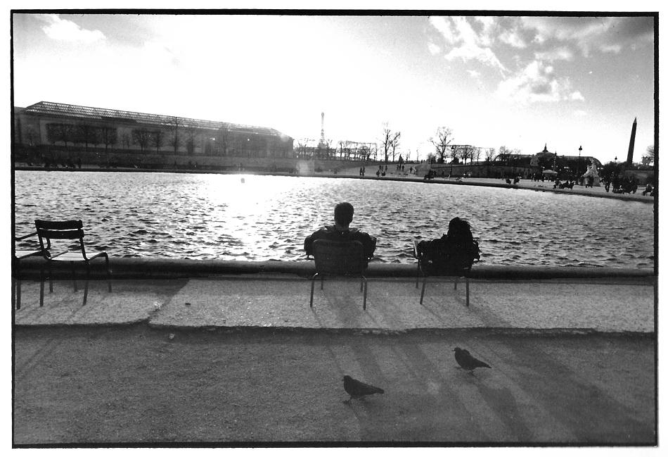 Les deux pigeons, Paris, noir et blanc argentique, Jean-Pierre Devals