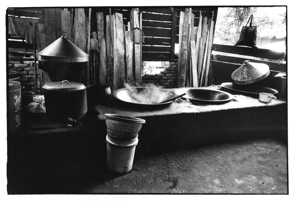 Cuisine rumah makan, Indonésie, prise de vue argentique, JP Devals