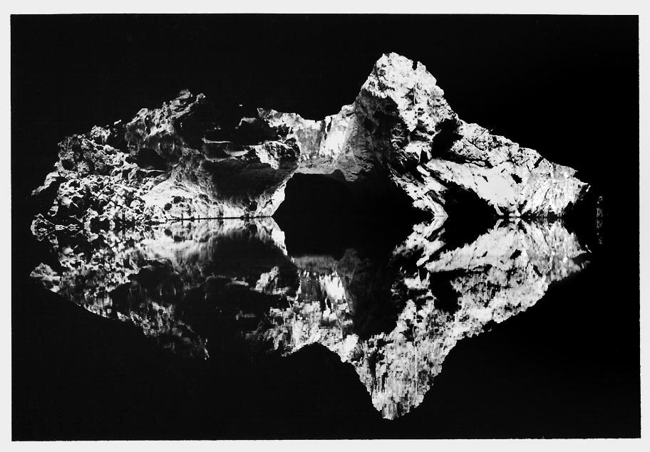 Grotte au Laos, clichés noir et blanc argentique, Jean-Pierre Devals